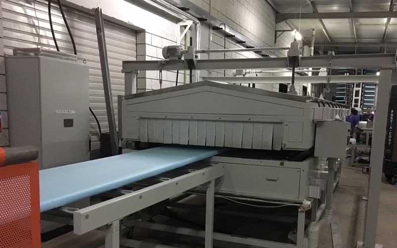 400-600kg/h XPS挤塑板生产线 阿曼