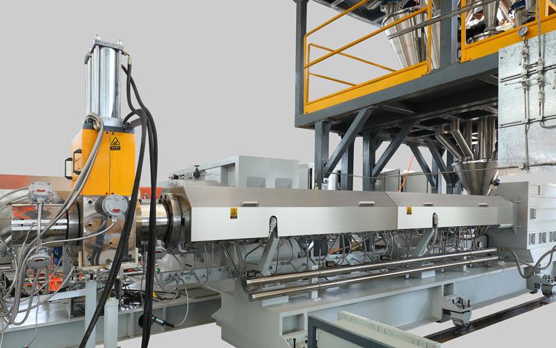 片板膜生产线中的高扭矩双螺杆